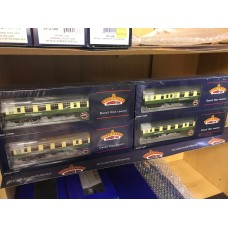 Bachmann Set Of 4 Highland Coach Pack Limited Edition